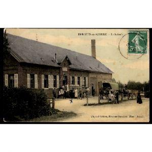 02 - BERGUES SUR SAMBRE (Aisne) - La Laiterie