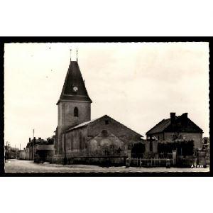 51 - ORCONTE (Marne) - Le Monument aux Morts et l'Eglise