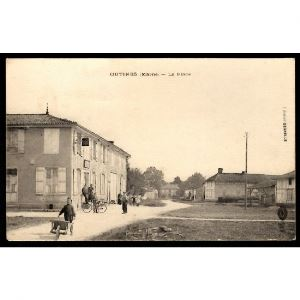 51 - OUTINES (Marne) - La Place