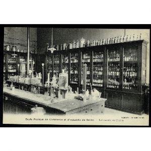 51 - REIMS (Marne) - Ecole Pratique de Commerce et d'Industrie de Reims - Laboratoire de Chimie