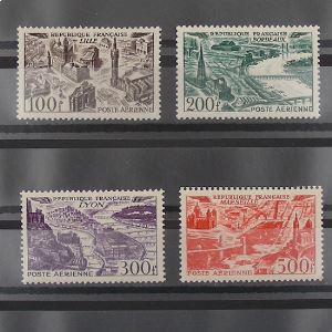 FRANCE Poste Aérienne, n°24-27  N** Cote 110€